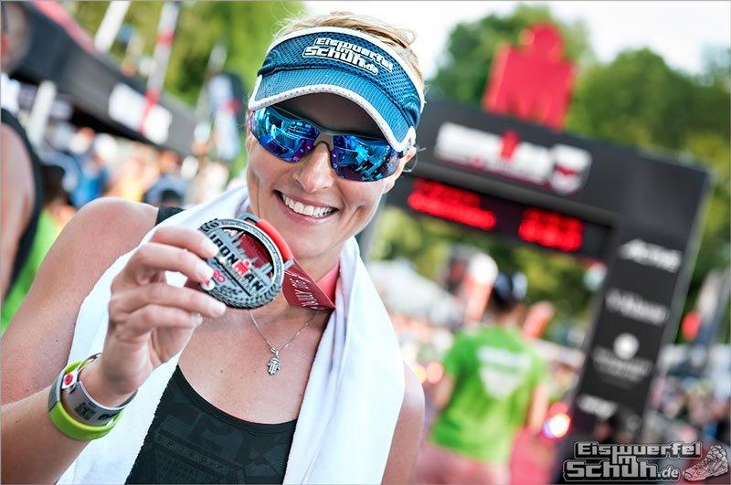 EISWUERFELIMSCHUH---IRONMAN-SWITZERLAND-Triathlon-Erste-Langdistanz-Finish-1-800px