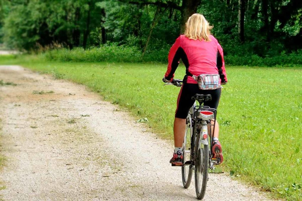 Die richtige Kleidung für Triathlon Frauen